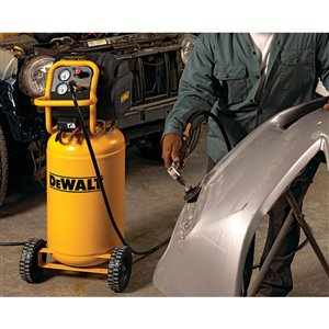 DEWALT 15-Gallon Single Stage Portable Electric Vertical Air Compressor