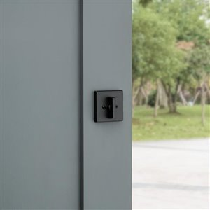 Weiser GDC9471  Contemporary Single Cylinder Deadbolt featuring SmartKey in Iron Black