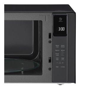 LG NeoChef 1.5-cu ft 1000-Watt Countertop Microwave (Black)