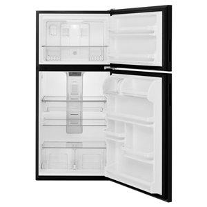 Maytag 30-in 18.2-cu ft Top-Freezer Refrigerator (Black)