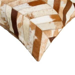 Natural by Lifestyle Brands 18-in Brown and Natural Torino Cowhide Pillow (2 Pack)