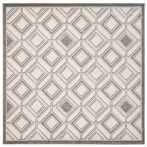 Ivory and Light Grey Amherst Diamond Indoor/Outdoor Rug