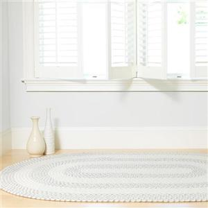 Colonial Mills Courtyard 4-ft x 6-ft White Oval Area Rug