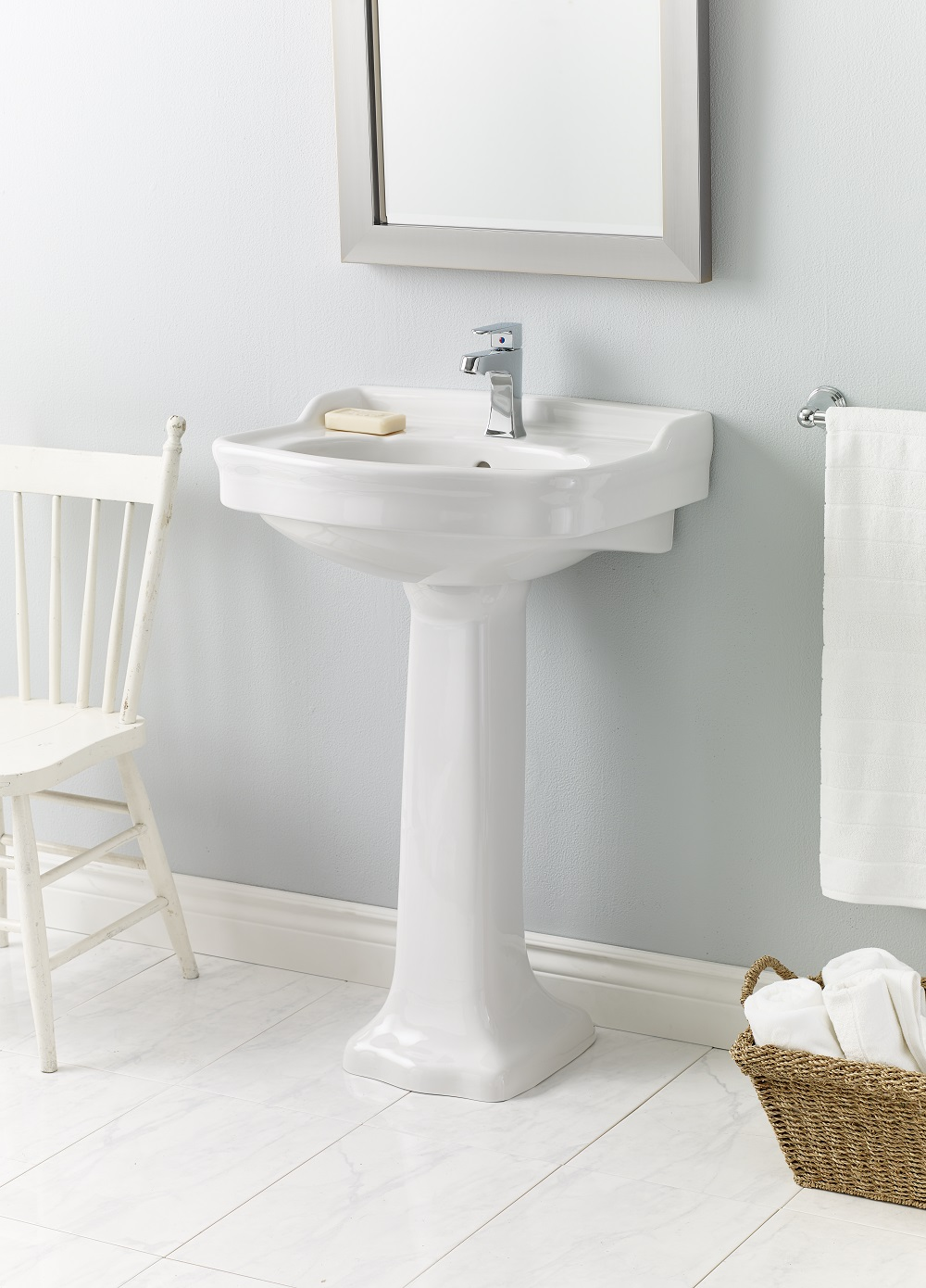Picture of: Cheviot Antique Pedestal Bathroom Sink 22 1 2 X 18 1 2 White Lowe S Canada
