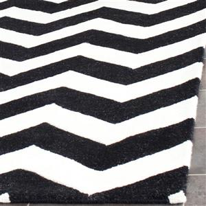 Chatham Chevron Rug - 2.3' x 7' - Wool - Black