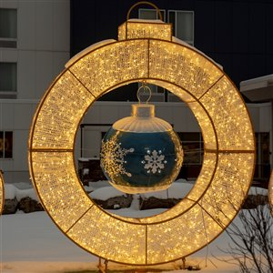 Northlight 11.8-ft LED Lighted Christmas Ring Display Decoration