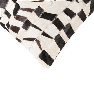 Natural by Lifestyle Torino Cowhide Madrid 2-Piece Zebra 18-in x 18-in Square Indoor Decorative Pillow