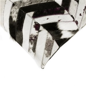 Natural by Lifestyle Torino Cowhide Chevron 2-Piece Black and Natural 18-in x 18-in Square Indoor Decorative Pillow
