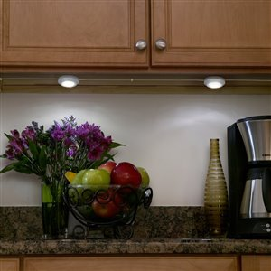 Utilitech Pro 2.5-in Plug-in Under Cabinet Led Puck Light