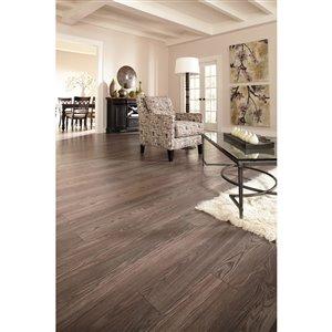allen + roth 12 mm Provence Oak Laminate Plank Flooring (6.06-in W x 47.52-in L)