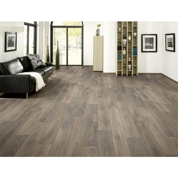 Embossed Wood Plank Laminate Flooring, Villa Laminate Flooring