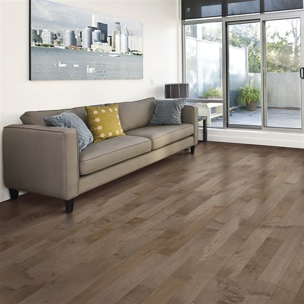 Mohawk 3 4 In Thick Steel Maple Solid Hardwood Flooring 5 In Wide X Various Lengths Lowe S Canada