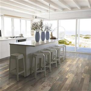 Pergo Barnside Pine 7.48-in W x 3.93-ft L Wirebrushed Wood Plank Laminate Flooring