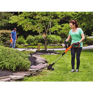 BLACK+DECKER 12-in 20V MAX Cordless String Trimmer and Edger