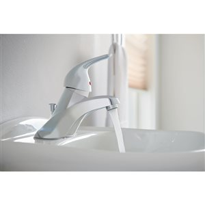 Moen Adler Chrome 1-Handle 4-in Centerset WaterSense Bathroom Sink Faucet with Drain (Valve Included)