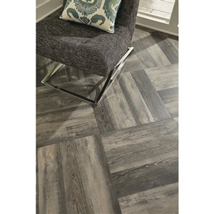STAINMASTER 1-Piece 6-in x 24-in Groutable Shadow Oak Peel-and-stick Luxury Vinyl Tile
