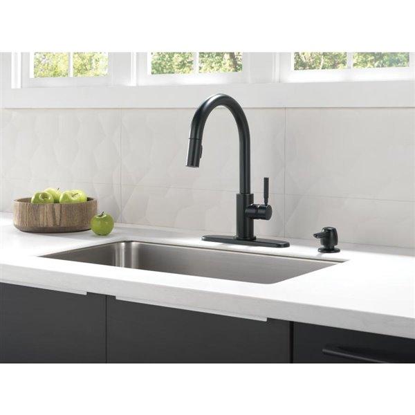 Delta Trask Matte Black 1 Handle Pull Down Kitchen Faucet Lowe S Canada
