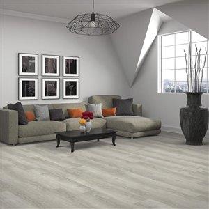 Mohawk Medford Oak 4.2-mm Luxury Vinyl Plank Flooring (7.84-in W x 47.79-in L)