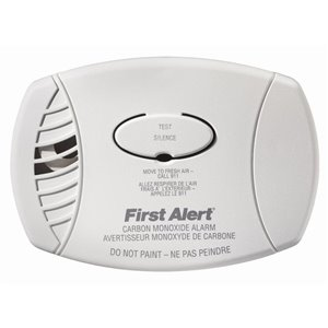 First Alert Plug In Carbon Monoxide Alarm with 9v Battery Back Up