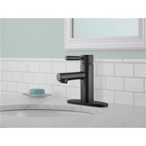DELTA Struct Matte Black 1-Handle Single Hole 4-in Centerset WaterSense Bathroom Sink Faucet with Drain