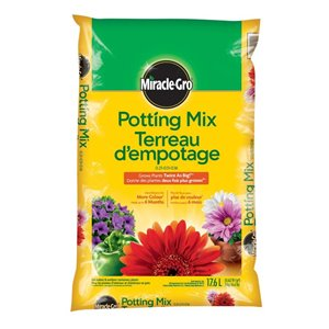 Miracle-Gro 0.62-cu ft Potting Soil