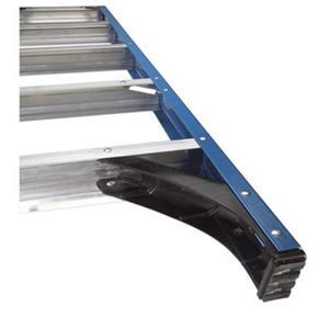 Werner 4-ft Fiberglass Single Sided Type I Step Ladder