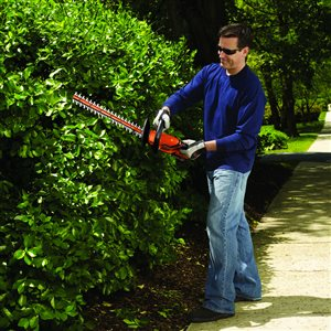 BLACK & DECKER 22-in 20V Max Dual Cordless Hedge Trimmer